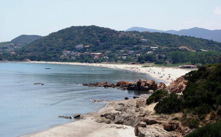 Tertenia, tragedia a Sarrala: turista muore per un malore mentre nuota