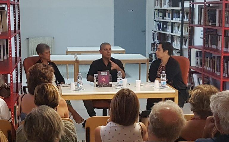 """""""Nessuno è intoccabile"""" di Thomas Melis approda a Bari Sardo: ieri nuovo appuntamento culturale"""