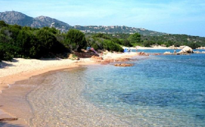 """Costa Smeralda, la denuncia di due ragazze: """"Violentate a Baja Sardinia"""""""