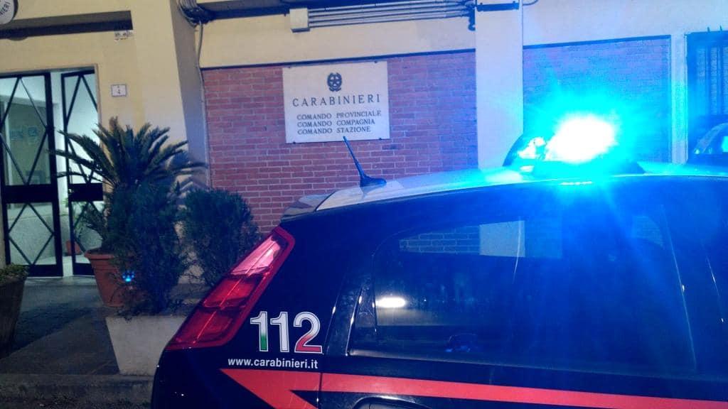 Fermata a un posto di blocco, si avventa su un carabiniere. Donna con decreto di espulsione arrestata a Siniscola