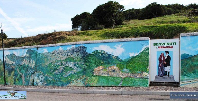 La fotonotizia. Nuova opera d'arte: il murale di Antonio Aregoni che dà il benvenuto a Ussassai