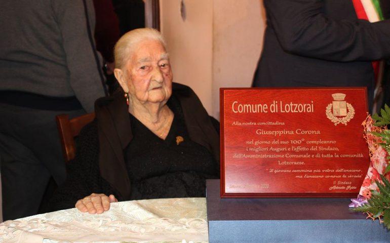 Lotzorai, la comunità in festa per i cento anni di Giuseppina Corona
