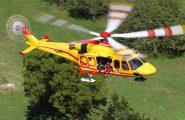 Sardegna, due auto e un mezzo dell'aeronautica coinvolte in incidente: 4 feriti in codice rosso