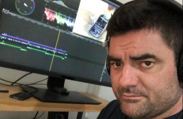 Il falegname Stefano Heritier, divenuto famoso con i suoi video sul web.