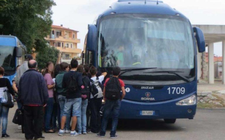 """Bari Sardo, caos trasporto studenti. Il sindaco Mameli: """"Mancanza di comunicazione tra Arst e scuole"""""""
