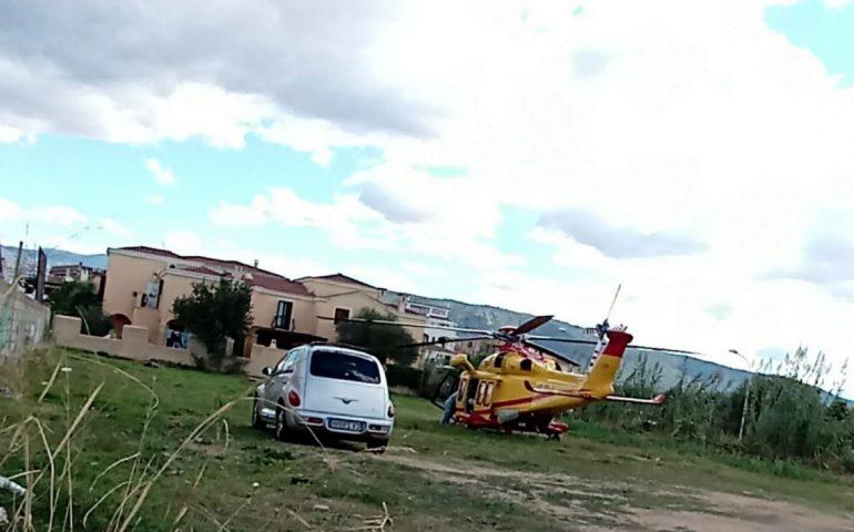 Tortolì, intervento dell'elisoccorso nel centro abitato