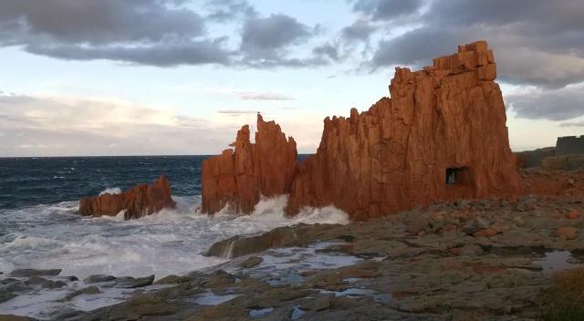 (Video) Ogliastra, le Rocce Rosse di Arbatax in una giornata ventosa di novembre