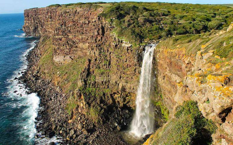 Tragedia alle cascate di Cuglieri: precipita dalla scarpata e muore