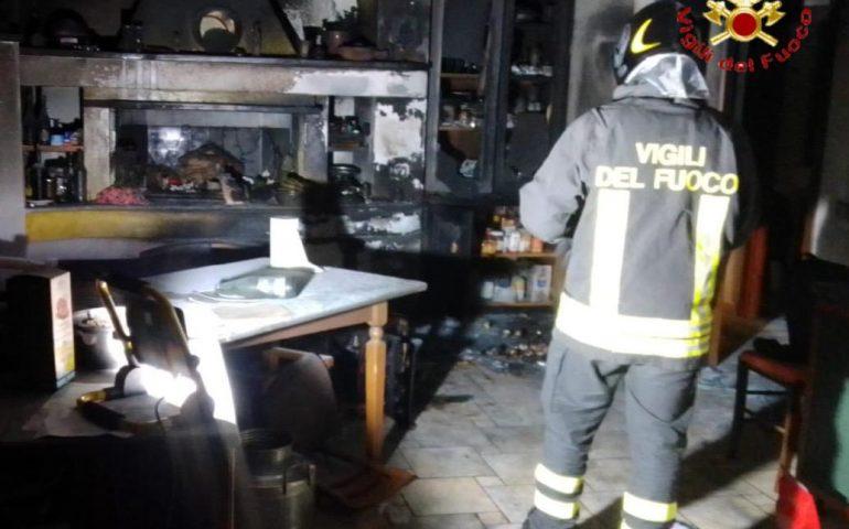 """Nuoro, incendio in abitazione nel Rione """"Città Giardino"""""""