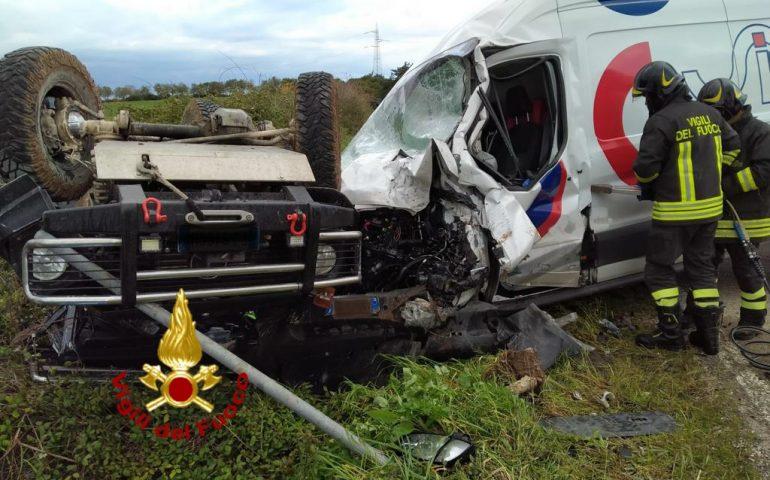 Spaventoso incidente a Sassari: due feriti gravi nello scontro