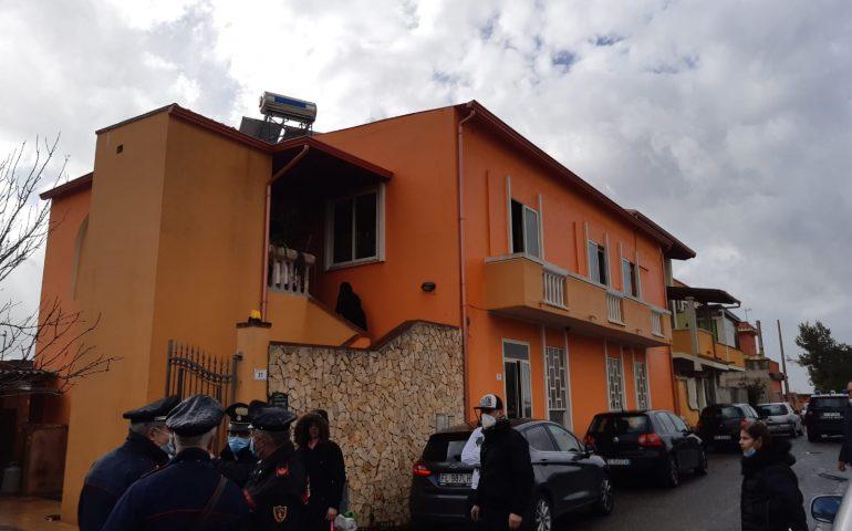 Paura in Sardegna, incendio in casa: figlio disabile e anziana madre salvati