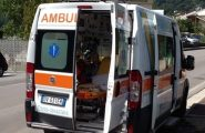Uomo di 63 anni colto da un malore si schianta contro un'altra auto e muore