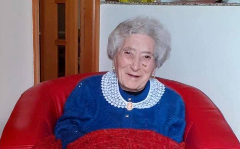 Ogliastra, Arbatax festeggia la signora Giovanna Pollicita per i suoi 101 anni