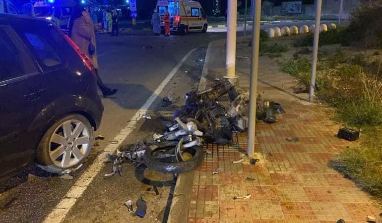 Sardegna, grave incidente: auto contro moto, due ragazzi in codice rosso