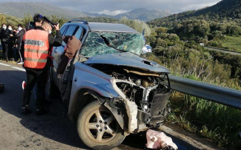 Tragedia fra Ottana e Sarule, schianto fra due auto: deceduto un 57enne