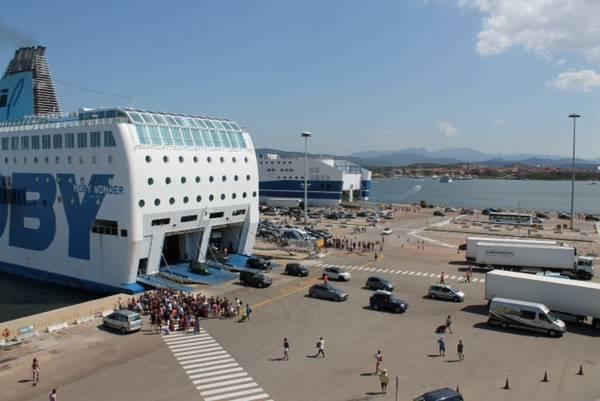 Arrivi in Sardegna, controlli anti Covid su quasi 4mila persone sbarcate in porti e aeroporti
