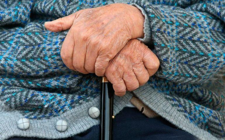 Anziani sardi malnutriti, l'appello della Cisl: «La Regione riveda il sistema di assistenza»