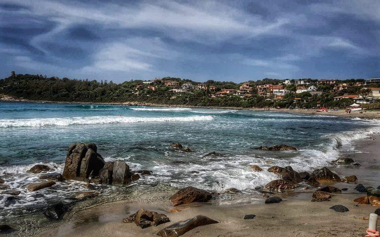 Porto Frailis, due donne in difficoltà durante la nuotata: soccorse dal bagnino