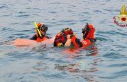 Sardegna, sommozzatori salvano una donna dispersa in mare: recuperata a 300 metri dalla riva