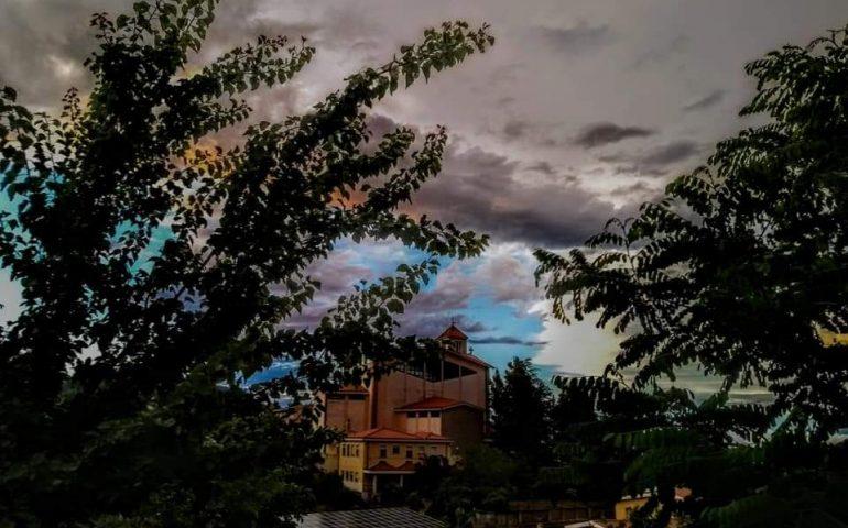 Le foto dei lettori. Storie di nuvole in Ogliastra nello scatto di Donatella Loddo
