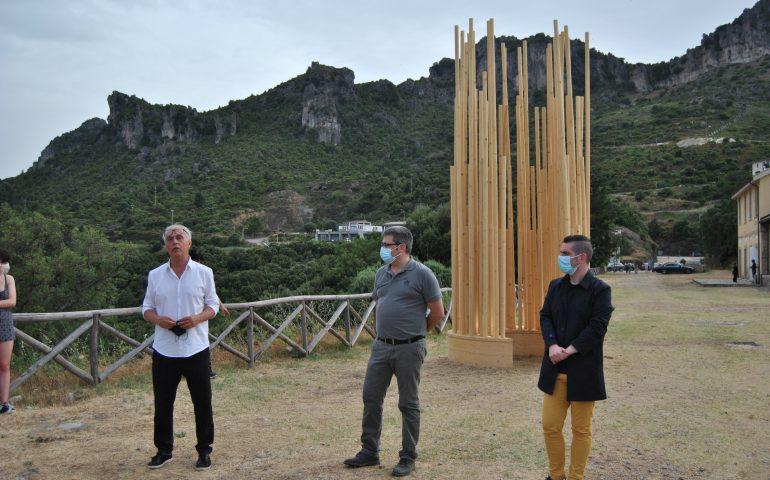 """Ulassai, inaugurata la mostra """"Sii albero"""": Stefano Boeri in dialogo con le opere di Maria Lai"""