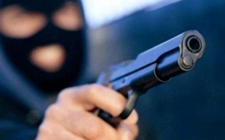 Sardegna, rapinò un tabaccaio poi la fuga in moto: arrestato un 28enne disoccupato