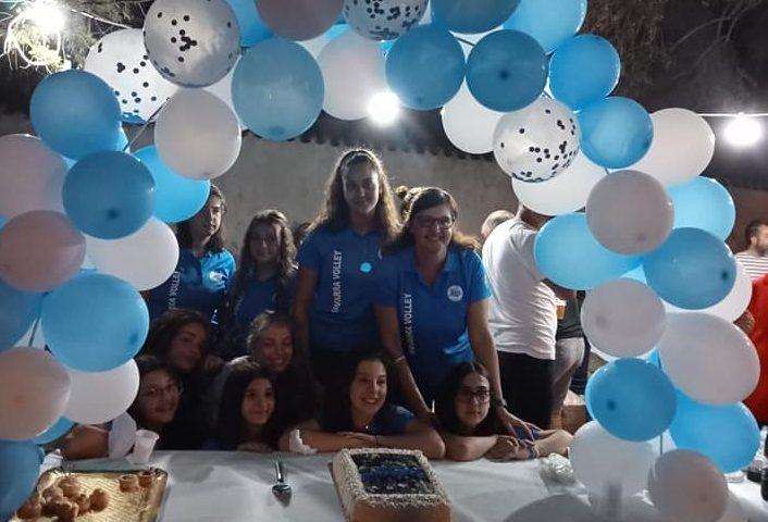 La fotonotizia. Le ragazze della Navarra Volley festeggiano il titolo regionale