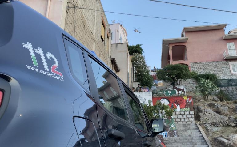 Orgosolo, 150 carabinieri perquisiscono il paese alla ricerca di Graziano Mesina