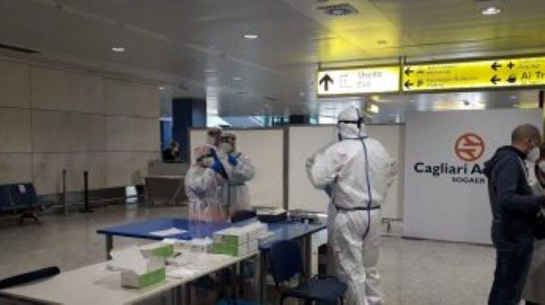 Virus, i casi esplodono in Sardegna: 233 positivi e 60 ricoveri complessivi: 4 sono in terapia intensiva. Il boom nel Cagliaritano