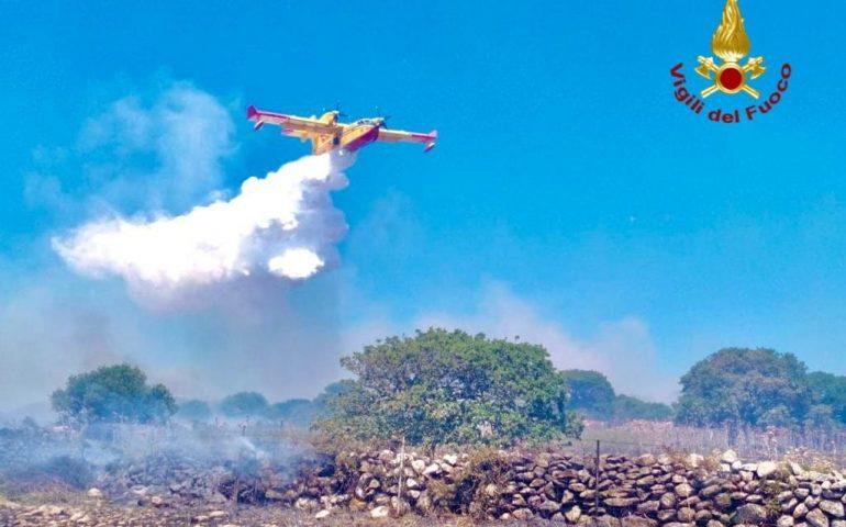 Allarme della Protezione Civile: domani alto rischio di incendi in Sardegna