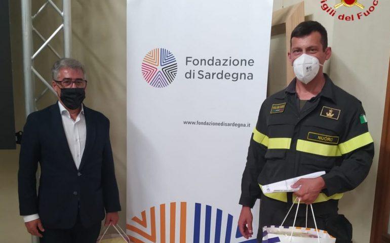 Fondazione di Sardegna consegna due defibrillatori ai Vigili del Fuoco di Nuoro