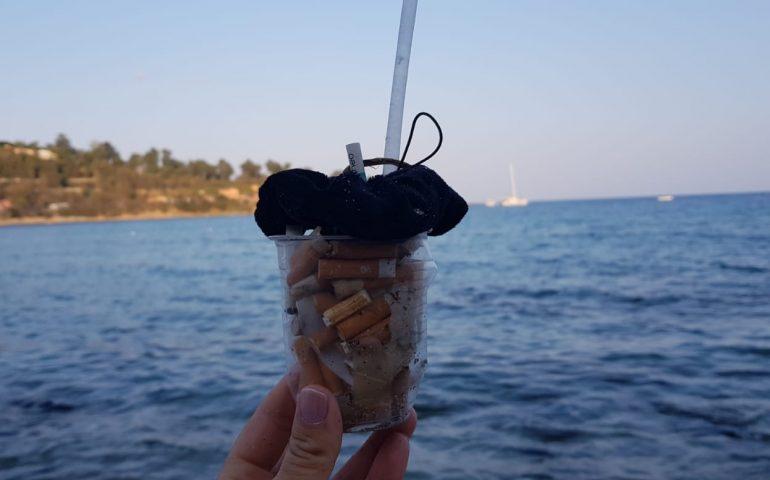 """Porto Frailis invasa dalle cicche di sigarette. Un nostro lettore: """"Serve rispetto, la spiaggia non è un posacenere"""""""
