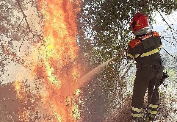 Sardegna, la Protezione Civile ha emanato l'allerta rossa per domani: estremo rischio incendio