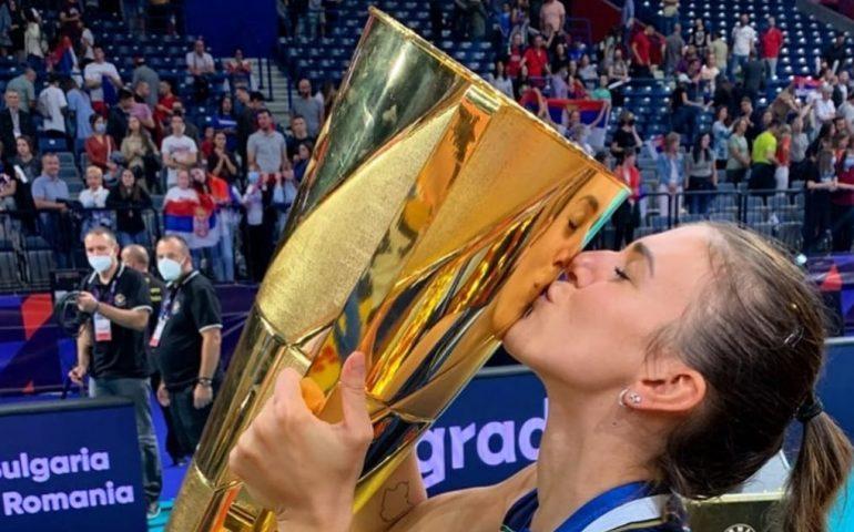 Alessia Orro campionessa d'Europa con l'Italvolley: la gioia incontenibile della palleggiatrice sarda