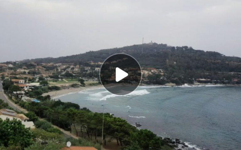 (VIDEO) La bellezza della Baia di Porto Frailis (Arbatax) vista dall'alto, nonostante qualche nube
