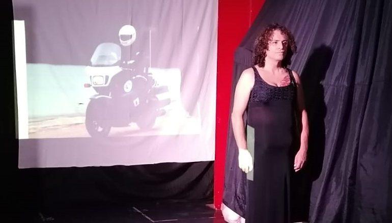 Orani. Uomo e poliziotto per 53 anni, ora è una donna: Carla Baffi racconta la sua storia a teatro