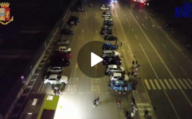(VIDEO) Cagliari, corse clandestine di auto nella notte a Sant'Elia: interviene la Polizia