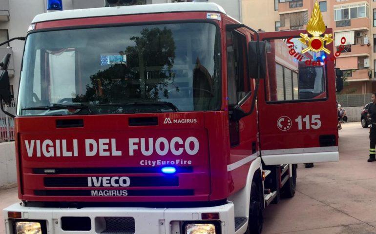 Sardegna, tenta di spegnere incendio a casa della sorella: muore 53enne
