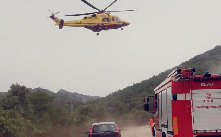 Urzulei, incidente tra due macchine: giovane trasportata a Nuoro con elisoccorso