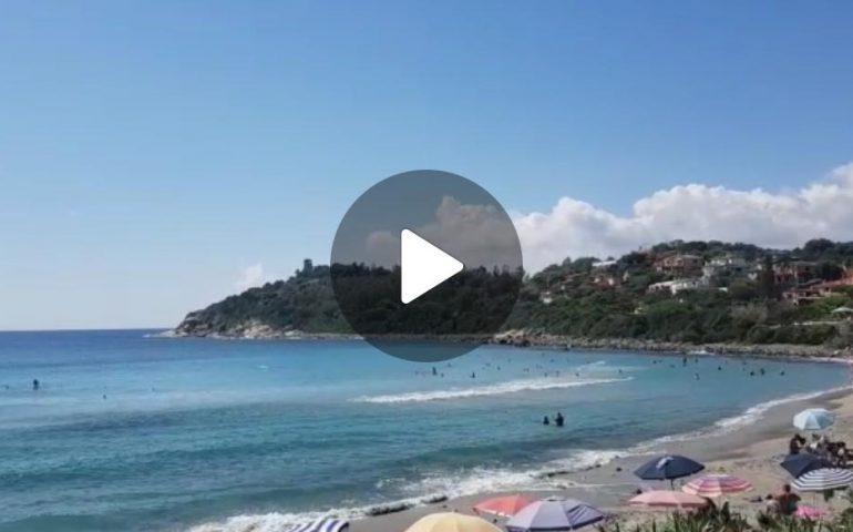 (VIDEO) Ogliastra, la spiaggia di Porto Frailis (Arbatax): bellissima e affollata anche a settembre