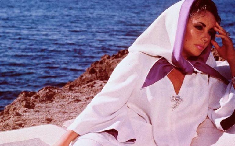 """Lo sapevate? Nel 1968 Liz Taylor e Richard Burton girarono in Sardegna il film """"La scogliera dei desideri"""""""