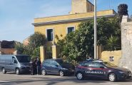 Dramma della solitudine in Sardegna: cadavere di un uomo trovato in un'abitazione. Era morto da settimane