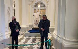 Un Gigante di Mont'e Prama all'Ermitage di San Pietroburgo, uno dei musei più importanti del mondo