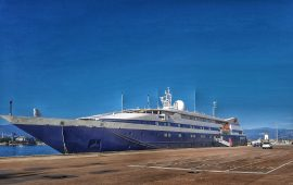 Arbatax, la nave da crociera CLIO sbarca al molo di Levante: i passeggeri ora in giro per l'Ogliastra
