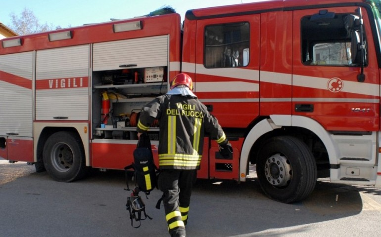 Distributore di carburante esplode, morti e feriti