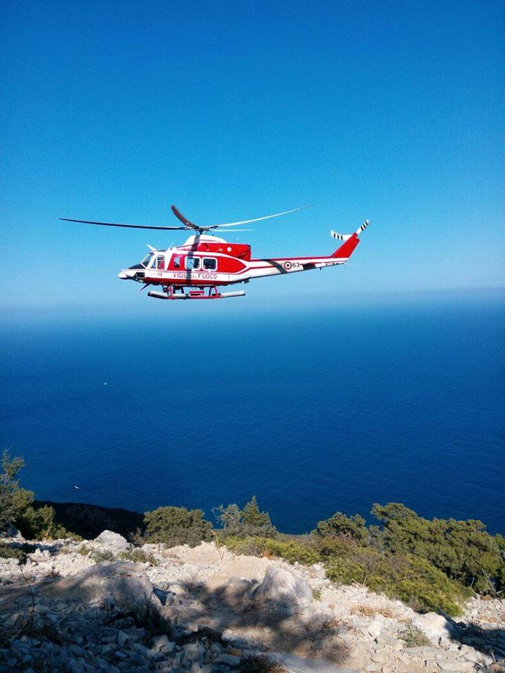Yacht Con Elicottero Sardegna 2018 : Escursionista in difficoltà a gorropu difficili le