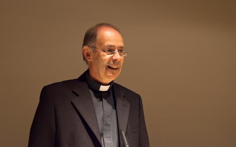 Tortolì, il vescovo Antonello Mura incontra gli studenti dell'Istituto comprensivo n.1