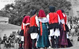 Su Grupu Folk de Lotzorai at a andare a Praga pro leare parte a su Festival de su Folklore.