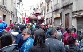 A Jerzu il maltempo non rovina il Carnevale: centinaia di persone in festa