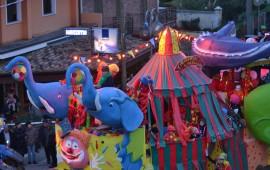 Il Carnevale impazza a Bari Sardo. Grandissima partecipazione per la 26esima edizione